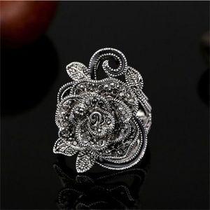 Jewelry - Crystal Vintage Black Rose Ring